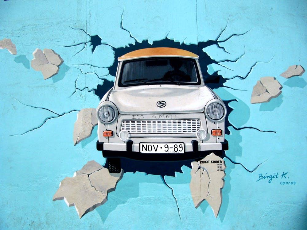 graffiti-berlin-wall-wall-trabi