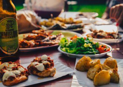 food-eating-potatoes-beer-8313